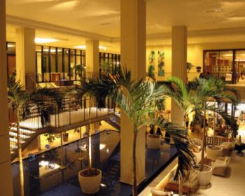 サザンビーチホテル沖縄ロビー