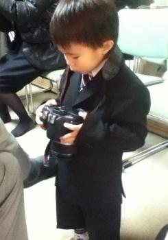 スーツで七五三をする男の子