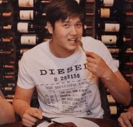 ディーゼルのTシャツを着る大谷翔平選手