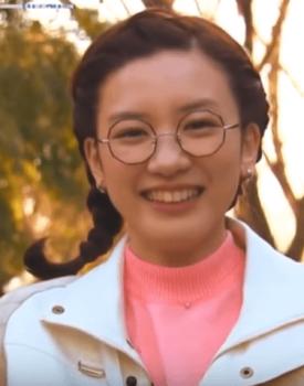 メガネの永野芽郁さん