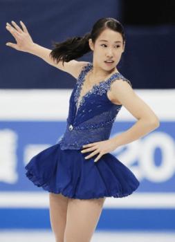 三原舞依の青い衣装