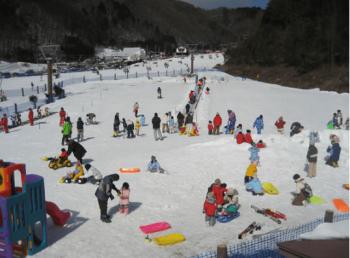 木曽福島スキー場の子供専用ゲレンデキッズパーク
