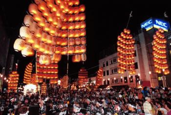 秋田観光竿燈まつり