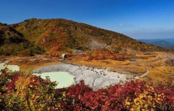 岩手県・宮城県・秋田県にまたがる栗駒山