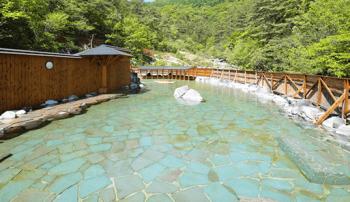 草津温泉露天風呂