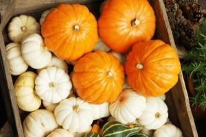 ハロウィンかぼちゃランタン作り方飾り種類くり抜き方