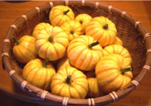 ハロウィンかぼちゃランタン作り方飾り種類くり抜き方6