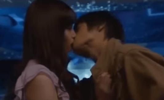 大政絢唇キス8