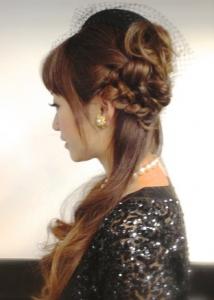 結婚式髪型ハーフアップロングランダム編み込み