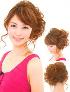 結婚式髪型ロングふんわりアップスタイル