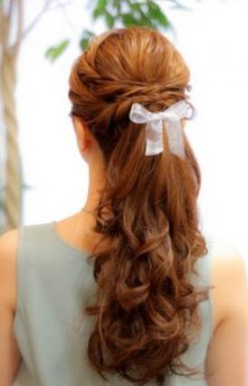 結婚式髪型ロングポニーテール風