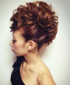 結婚式髪型ロングモヒカン