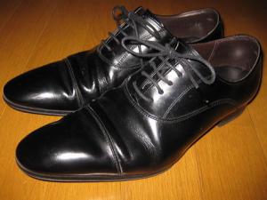 葬式マナー親族男性革靴ライン