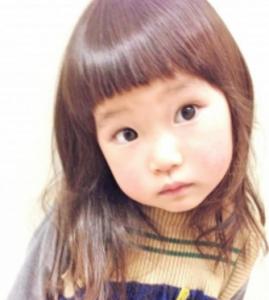 眉毛上ぱっつん髪型子供アレンジ