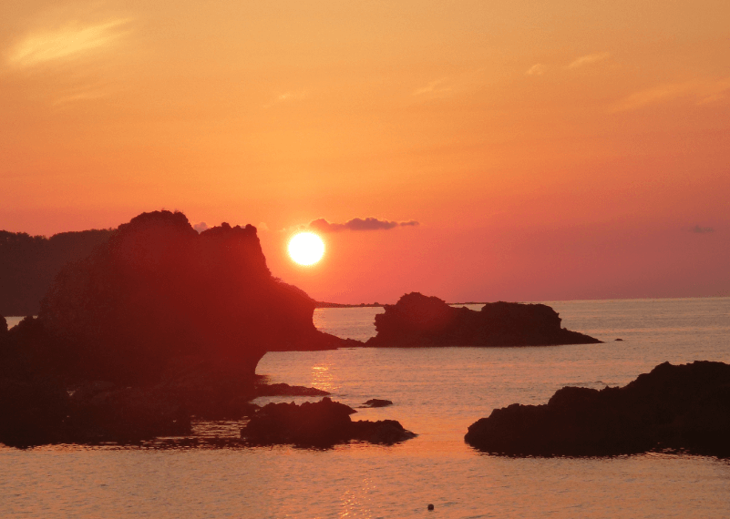 トランスイート四季島運行区間ルート3泊4日リゾート五能線夕陽