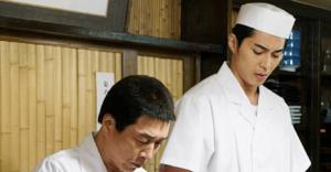 寿司の名店の職人に扮するボクチャン達