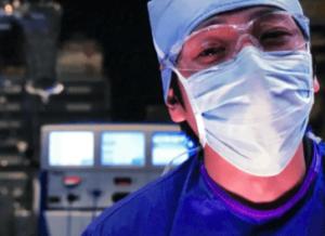 手術中の渡海