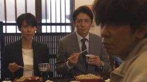 蕎麦屋の真弓と秀明と太郎