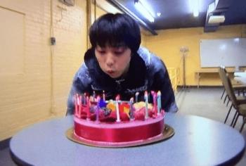 21歳誕生日のケーキと羽生結弦