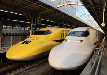 N700系新幹線と並ぶドクターイエロー